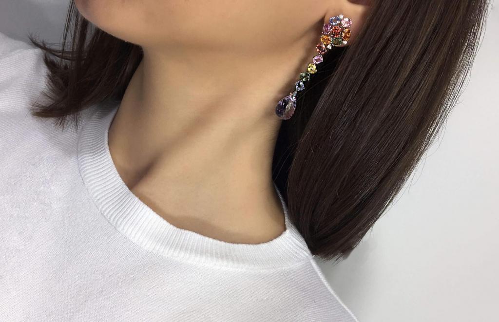 εκκεντρικά μεγάλα σκουλαρίκια σε γεωμετρικά σχήματα