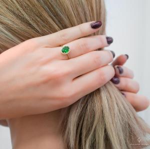 Δαχτυλίδι με πράσινο διαμαντάκι