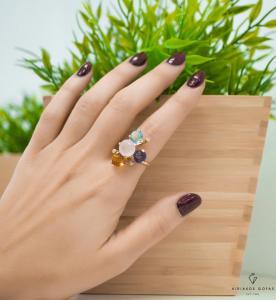 δαχτυλίδι με χρώματα