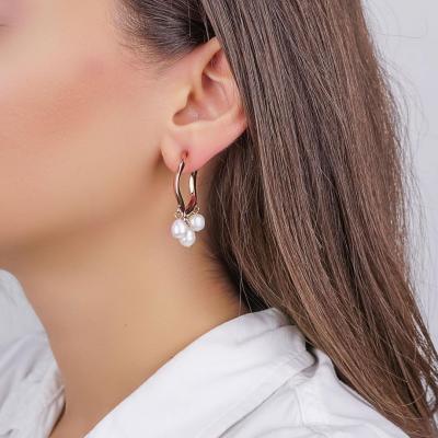 Σκουλαρίκια Κρίκοι με Μαργαριτάρι από Ροζ Επιχρυσωμένο Ατσάλι SK1266